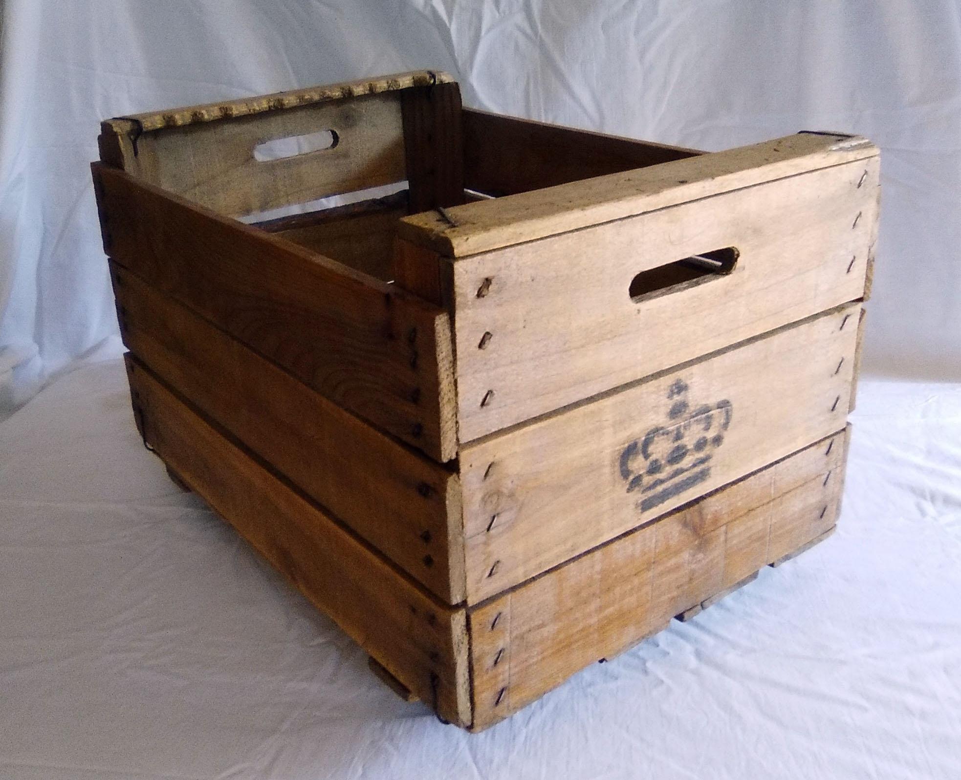 caja fruta ruedas