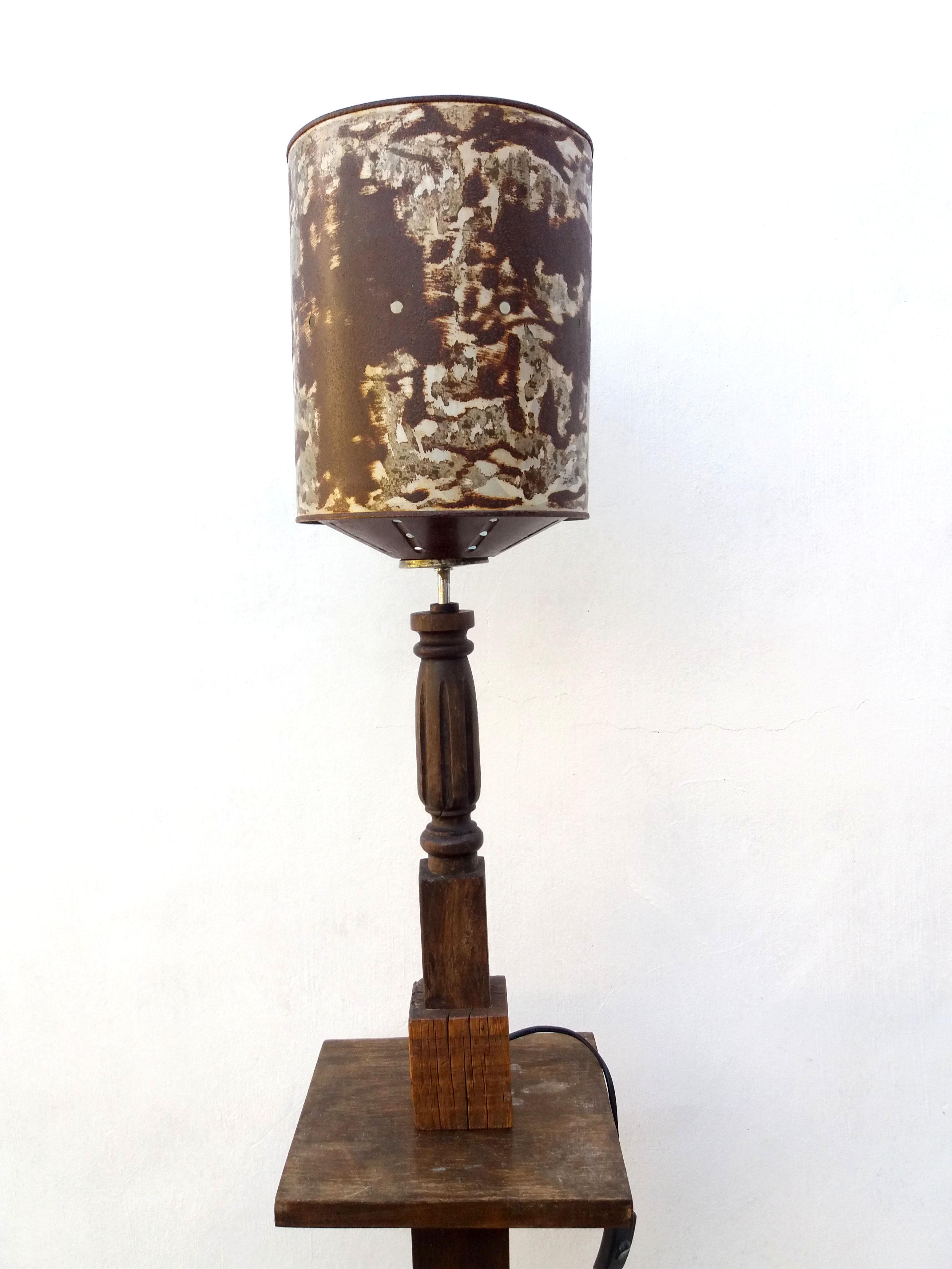 L mpara industrial vintage en madera y hierro deskartes - Lampara industrial vintage ...